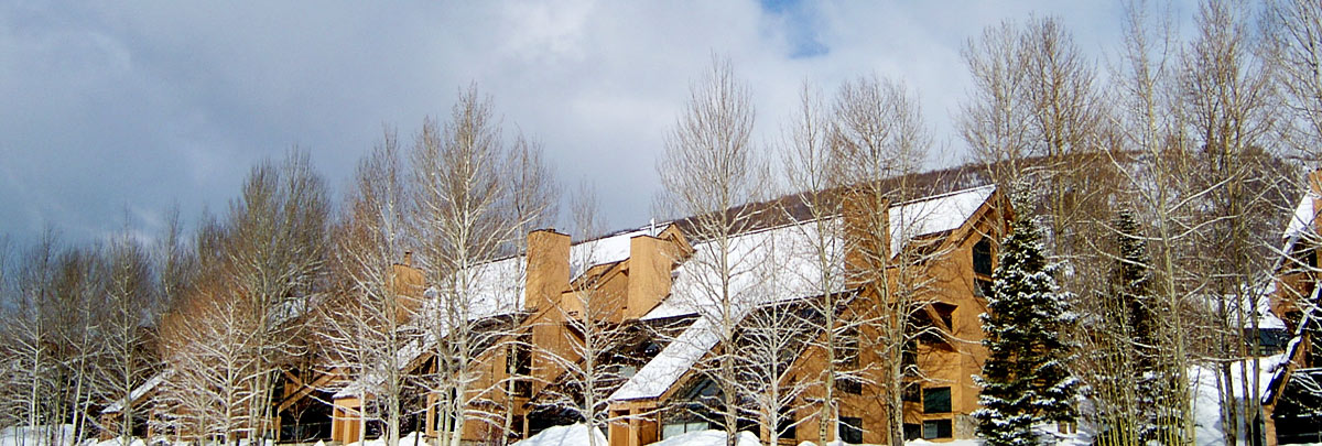 Exterior winter view of Daystar condominiums
