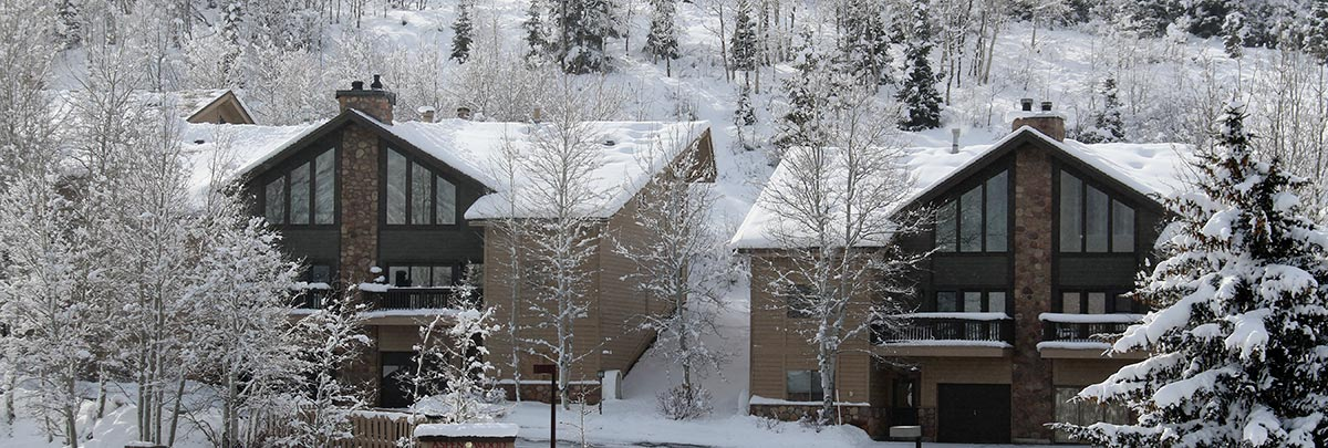 Exterior winter view of Aspenwood condominiums